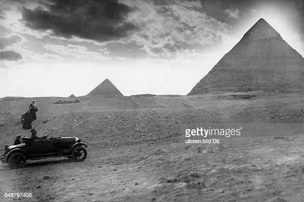 Egypt Gizeh Gizeh the Pyramids of Giza the Chephren Pyramid 1929 Photographer Frankl Vintage property of ullstein bild