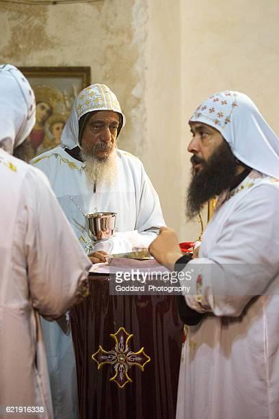 egitto: monastero di san bisoy - copto foto e immagini stock