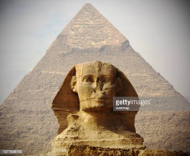 egypt sphinx and pyramid - giza pyramids stock pictures, royalty-free photos & images