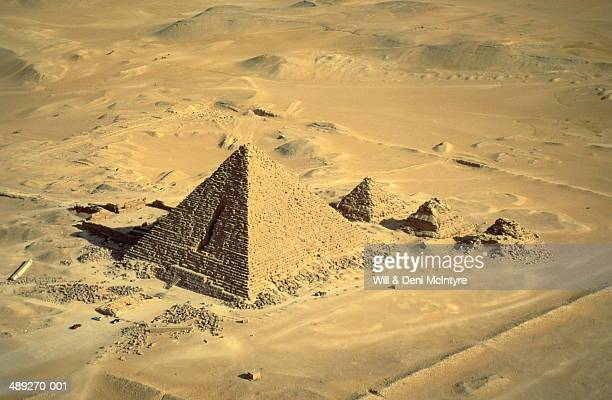 egypt,giza,mycerinus,smallest of the three great pyramids - giza pyramids stock pictures, royalty-free photos & images
