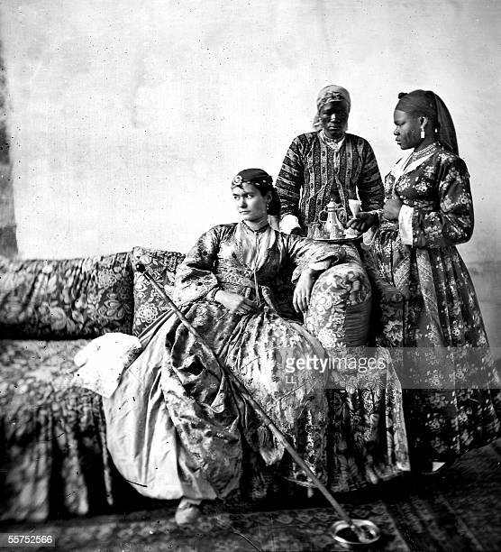 Egyptian and her two slaves in Cairo by 1865 LL8912B Stereo Typify of East