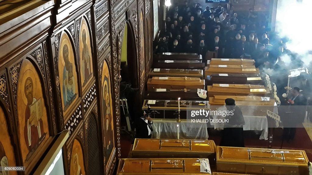 TOPSHOT-EGYPT-UNREST-RELIGION : Nachrichtenfoto