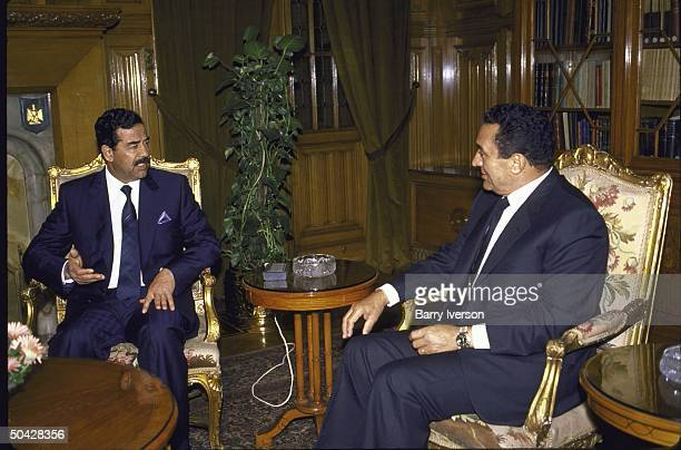 Egyptian Pres Husni Mubarak meeting with Iraqi Pres Saddam Hussein