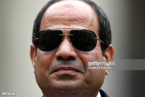 Egyptian President Abdel Fattah alSisi attends a military ceremony at the Hotel des Invalides in Paris on October 24 2017 / AFP PHOTO / POOL /...