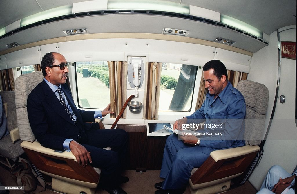 Sadat And Mubarak : News Photo