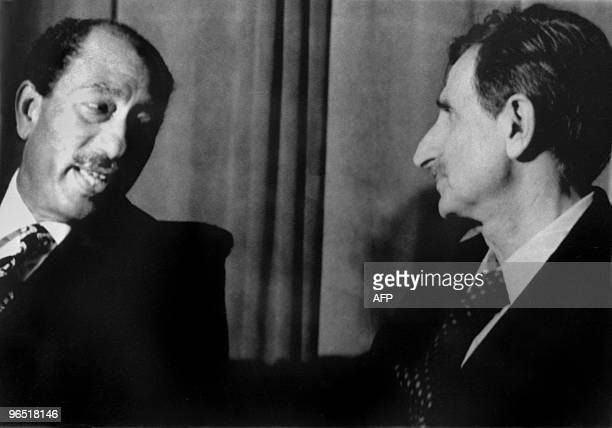 Egyptian President Anwar Sadat meets with Lebanese leftist political leader Kamal Jumblatt 29 September 1976 during a ceremony to mark the 6th...