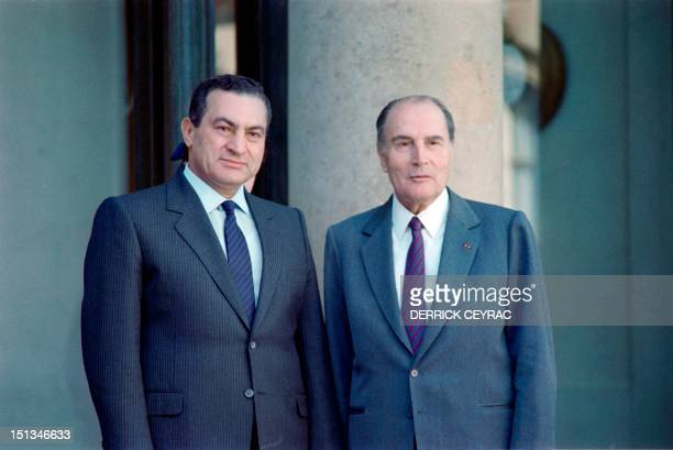 Egyptian president Hosni Mubarak is welcomed by French president François Mitterrand on September 27 in Paris during his official visit to France