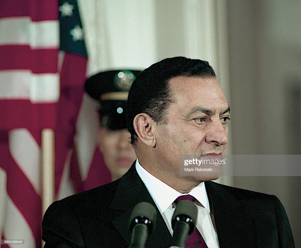 Egyptian President Hosni Mubarak speaks during a press conference in the White House's East Room, Washington DC, April 6, 1993.