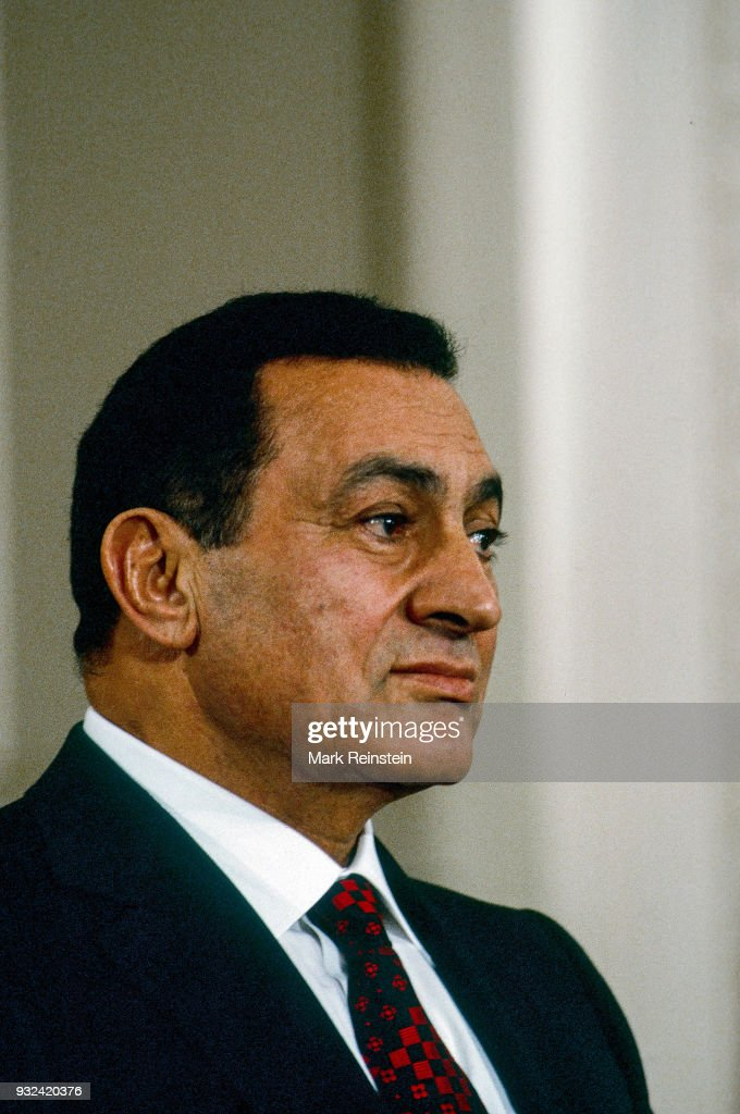 President Mubarak At Press Conference : News Photo