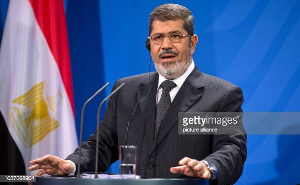 Egyptian President Mohamed Morsi gives a press conference at the Federal Chancellery in Berlin, Germany, 30 January 2013. Photo: MICHAEL KAPPELER  ...