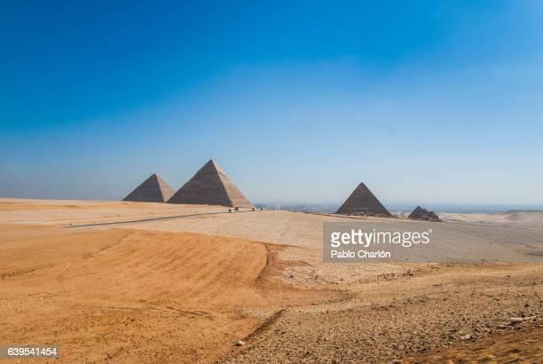 egyptian pyramids - patrimonio de la humanidad por la unesco stock pictures, royalty-free photos & images