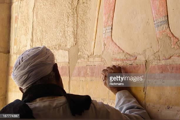 Ripristino affreschi in Egitto il Tempio di Hatshepsut