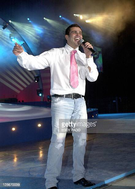 Egyptian singer Amro Diab performs 31 March 2002 in Dubai AFP PHOTO/eddy PADO