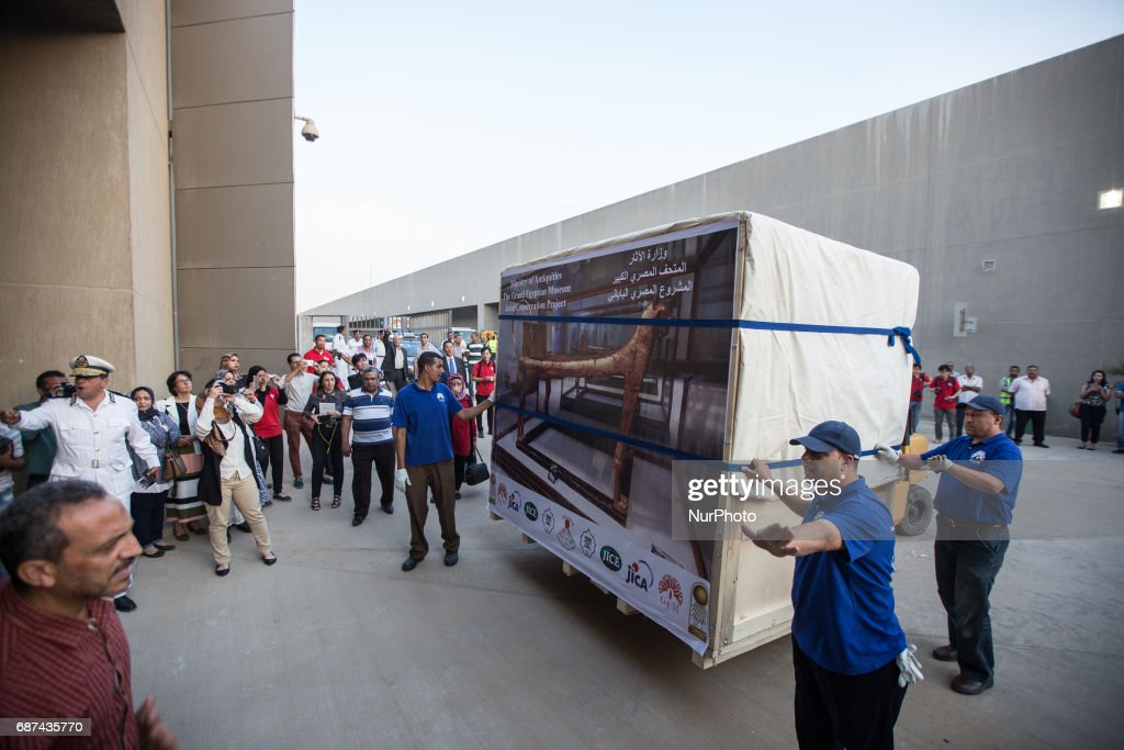 King Tut's funerary bed arrives at new Grand Egyptian Museum : News Photo