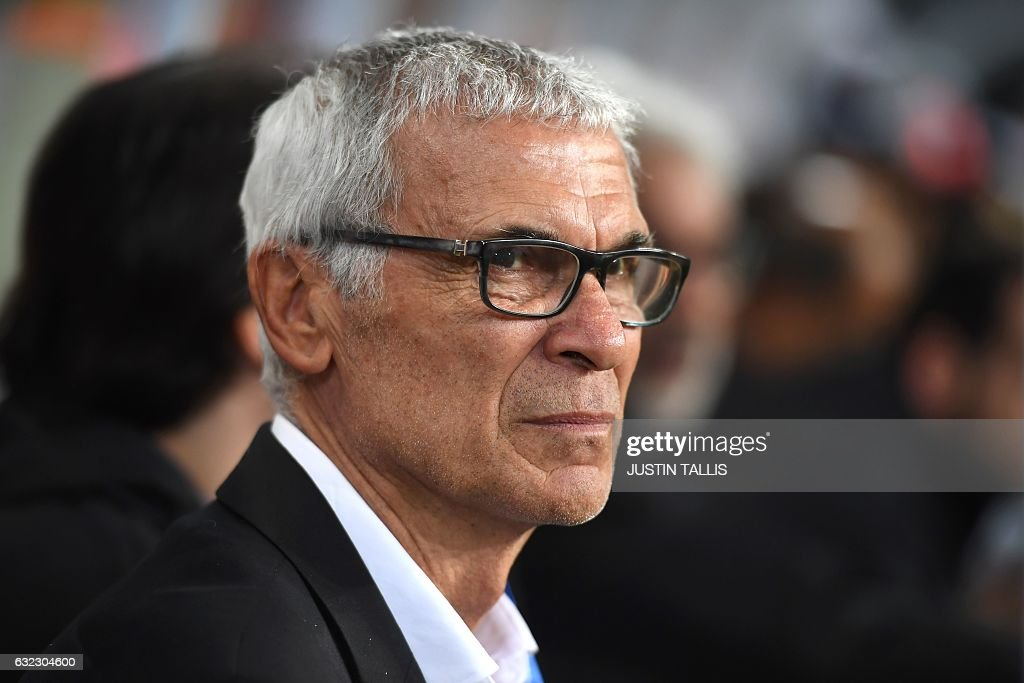 Egypt's Argentinian coach Hector Raul Cuper attends the 2017 Africa Cup of Nations group D football match between Egypt and Uganda in Port-Gentil on January 21, 2017. / AFP / Justin TALLIS