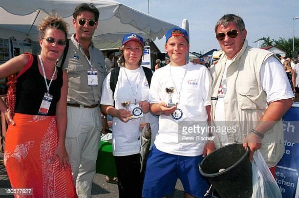 Ehefrau Simone Hoenig Teilnehmer Tochter Paula Hoenig Sohn Lucas Hoenig Heinz Hoenig Royal Fishing Jugendangeln 2001 Heiligenhafen MS SehoI Angel...
