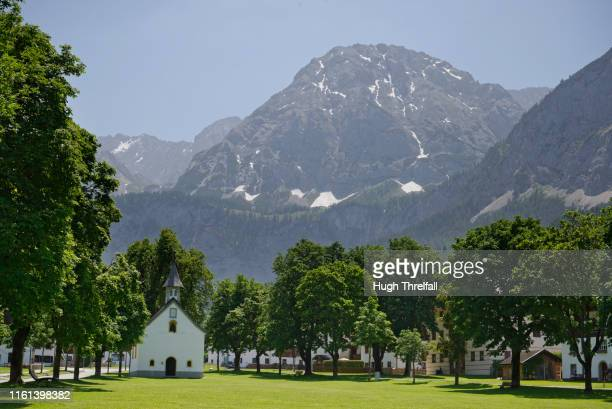 ehrwald village in the tyrol of austria - hugh threlfall stock pictures, royalty-free photos & images