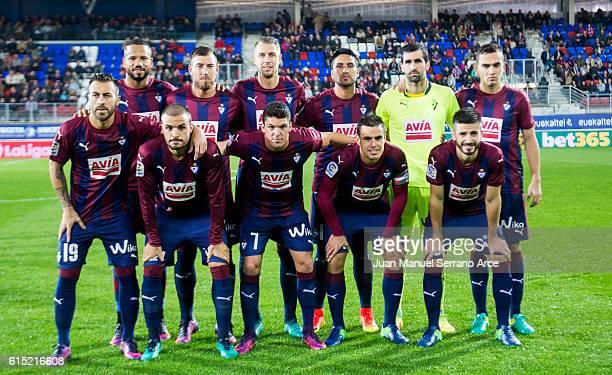 Eibar line up for a team photo prior to the start the La Liga match between SD Eibar and CA Osasuna at Ipurua Municipal Stadium on October 17 2016 in...