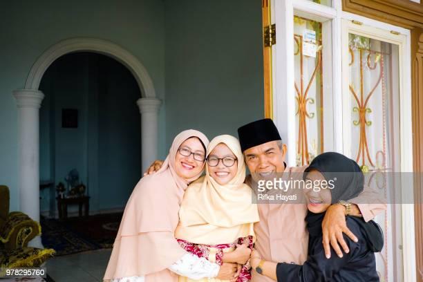 eid mubarak - hari raya celebration stock pictures, royalty-free photos & images