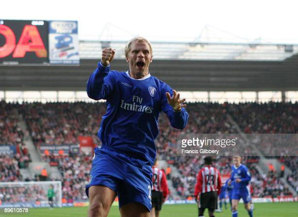 Eidur Gudjohnsen of Chelsea celebrates scoring a goal during the FA Barclays Premiership match between Southampton and Chelsea held on April 2 2005...