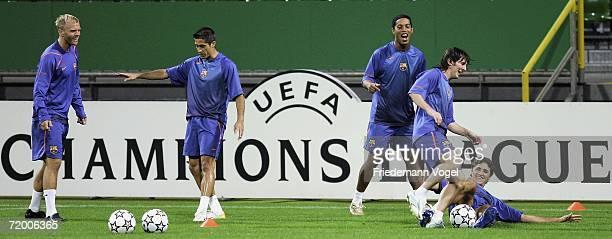 Eidur Gudjohnsen Sylvinho Ronaldinho Lionel Andres Messi and Edmilson battle for the ball during the training session of FC Barcelona on September 26...