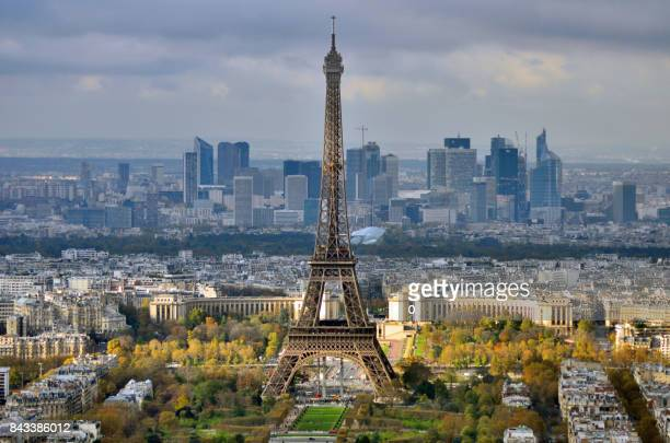 eiffel tower and la defense - musee du louvre stock pictures, royalty-free photos & images