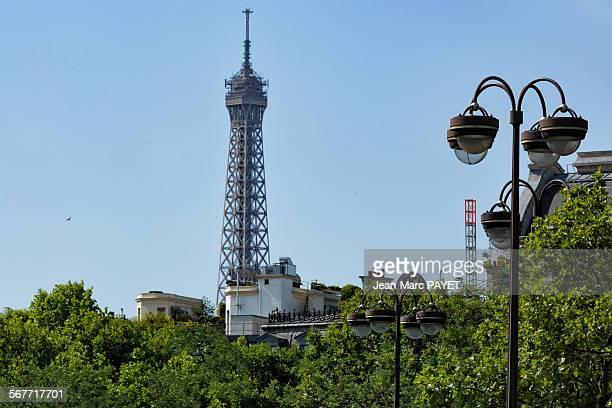 eiffel tower and paris rooftops - jean marc payet stockfoto's en -beelden