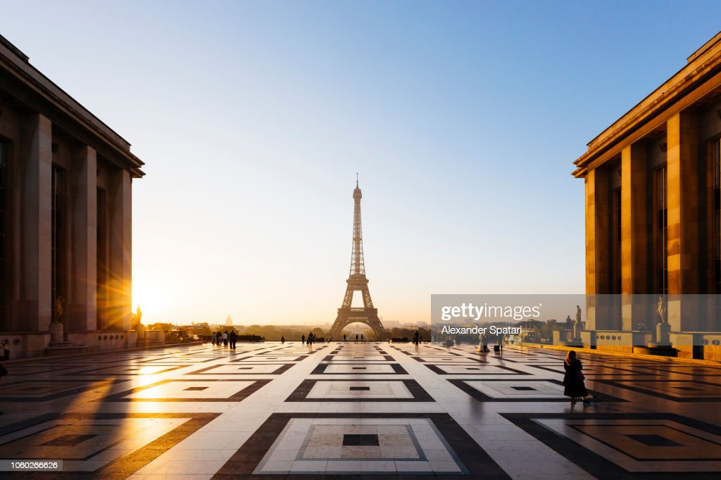 Eiffel Tower and Trocadero square during sunrise, Paris, France : Foto stock