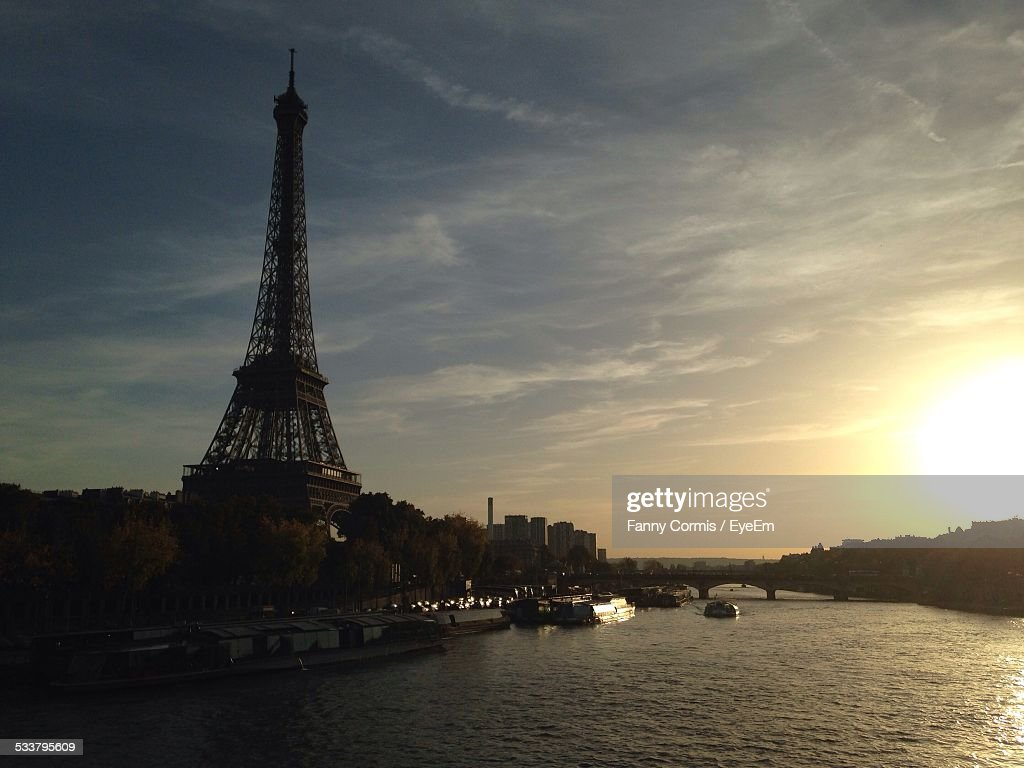 Eiffel Tower At Sunset : Foto stock