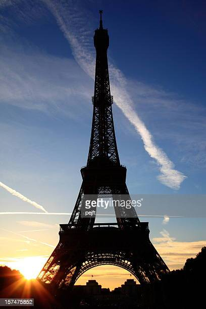 Eiffel Tower by sunset in Paris XXXL