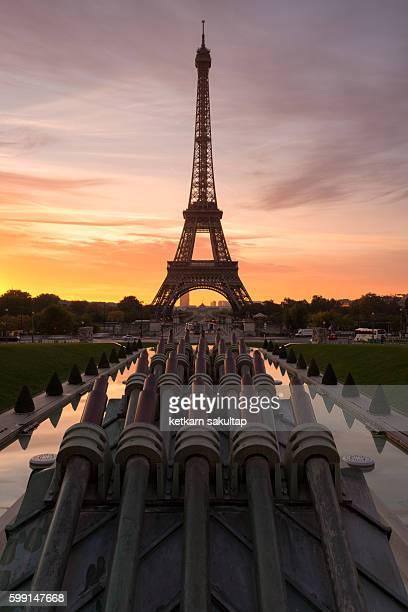 Eiffel tower during sunrise from Jardins du Trocadéro.