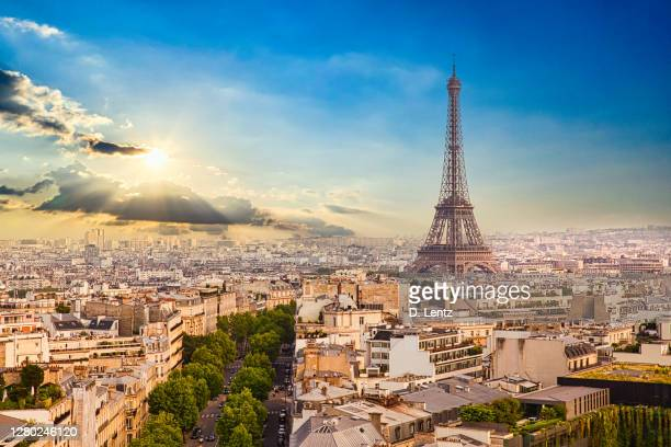 eiffel tower in paris skyline at dawn - paris france stock pictures, royalty-free photos & images