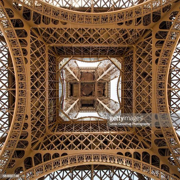 eiffel tower - paris, france - シティオブライツシティオブエンジェルス映画祭 ストックフォトと画像