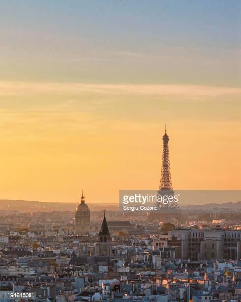 eiffel tower paris - paris france stock pictures, royalty-free photos & images