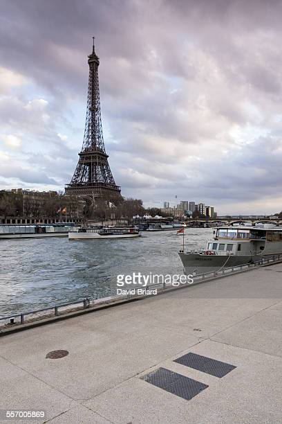 eiffel tower - quayside stock pictures, royalty-free photos & images