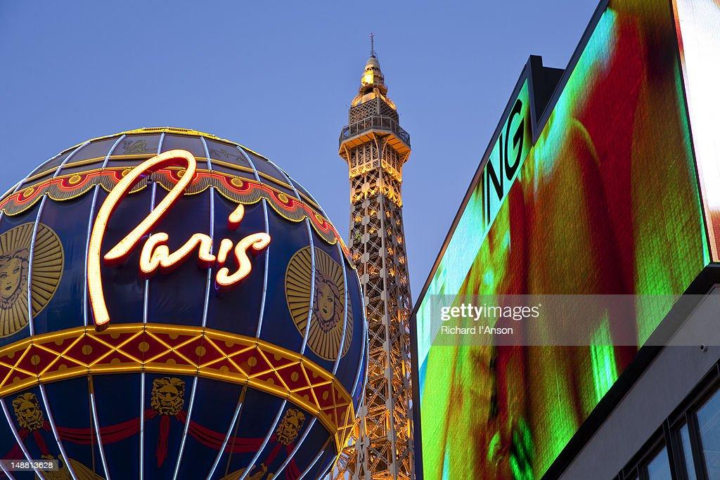 Eiffel Tower Restaurant and Paris Casino on Las Vegas Boulevard. : Stock Photo