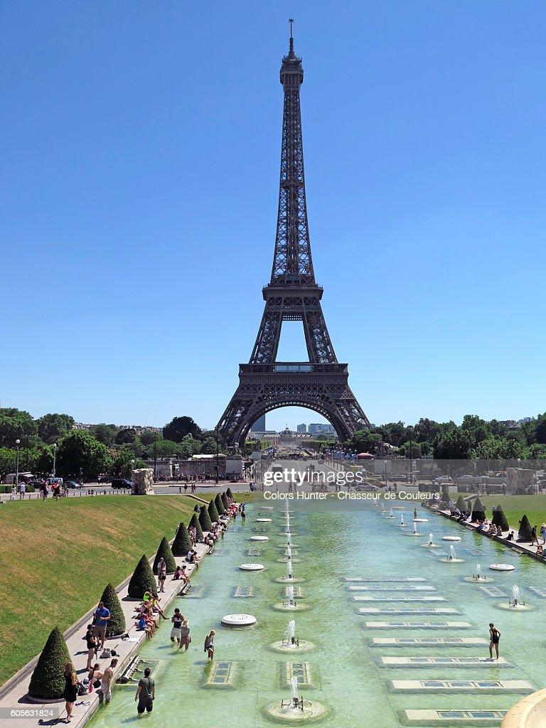Eiffel Tower & Trocadero : Stock Photo