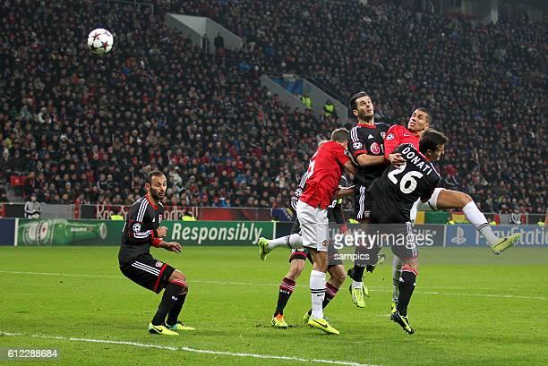 Eigentor von Emir Spahic Bayer Leverkusen Bayer Leverkusen zum 02 Championsleague Fussball Bayer Leverkusen Manchester United Saison 2013/ 2014