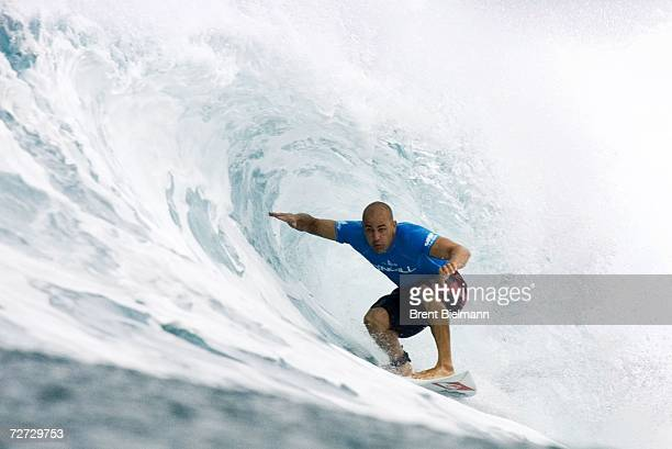 Eighttime reigning ASP world champion Kelly Slater of Cocoa Beach Florida places second in the round of 32 and advances to the quarterfinals of the...