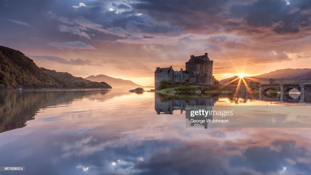 Eilean Donan Castle at Sunset in Scotland : Stock-Foto