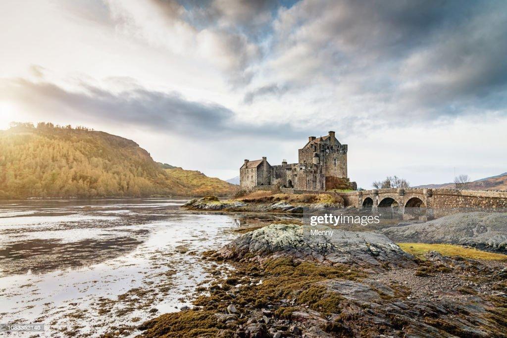 Eilean Donan Kasteel zonsondergang Schotland : Stockfoto