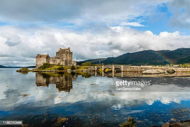 eilean donna castle - guinea stock pictures, royalty-free photos & images