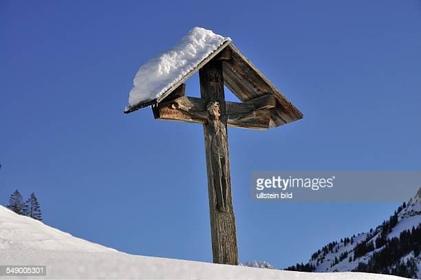 Ein Feldkreuz im Oytal im Allgäu