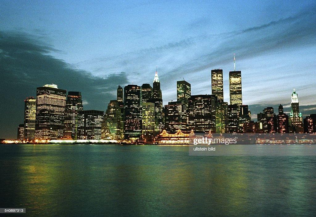 Ein Lichtermeer Am Wasser Des Hudson Rivers Bildet Die