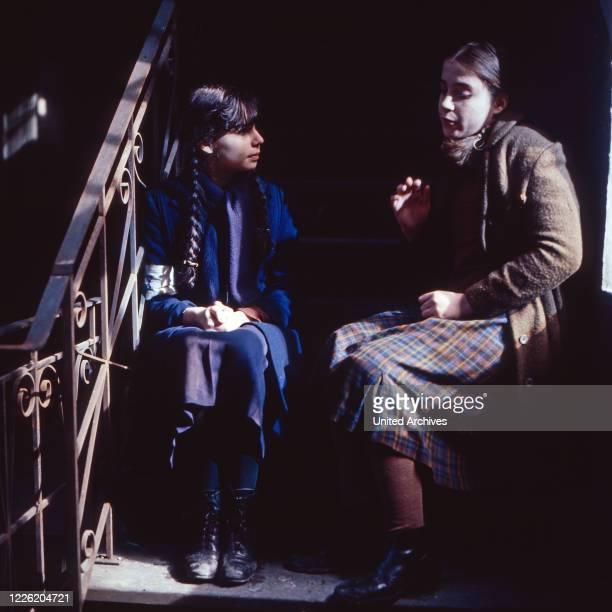 Ein Stück Himmel Fernsehserie Deutschland 1982 Regie Franz Peter Wirth Folge 2 Die verbotene Stadt Darsteller Dana Vavrova Anja Jaenicke
