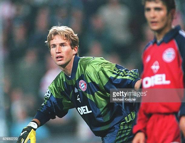 LEAGUE 99/00 Eindhoven/NED PSV EINDHOVEN FC BAYERN MUENCHEN 21 TORWART Stefan WESSELS/MUENCHEN