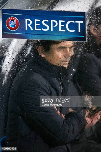 Eindhoven's coach Phillip Cocu looks on during the UEFA Europa League match between Estoril Praia and PSV Eindhoven at the Estadio Antonio Coimbra da...