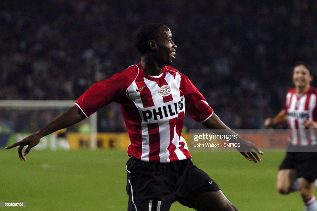 Soccer - UEFA Champions League - Third Qualifying Round - Second Leg - PSV Eindhoven v Red Star Belgrade : News Photo