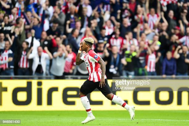 PSV Eindhoven's Steven Bergwijn celebrates the 30 during the Dutch Eredivisie championship football match against Ajax Amsterdam at the Philips...