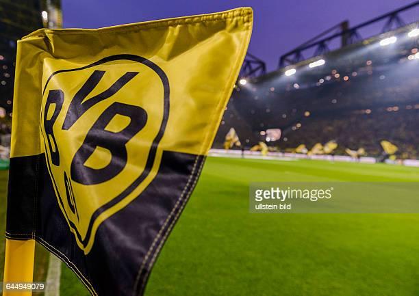 EIne Eckfahne mit dem BVB Logo waehrend dem Fussball DFB Pokal Viertelfinalspiel Borussia Dortmund gegen TSG Hoffenheim 1899 im Signal Iduna Park am...